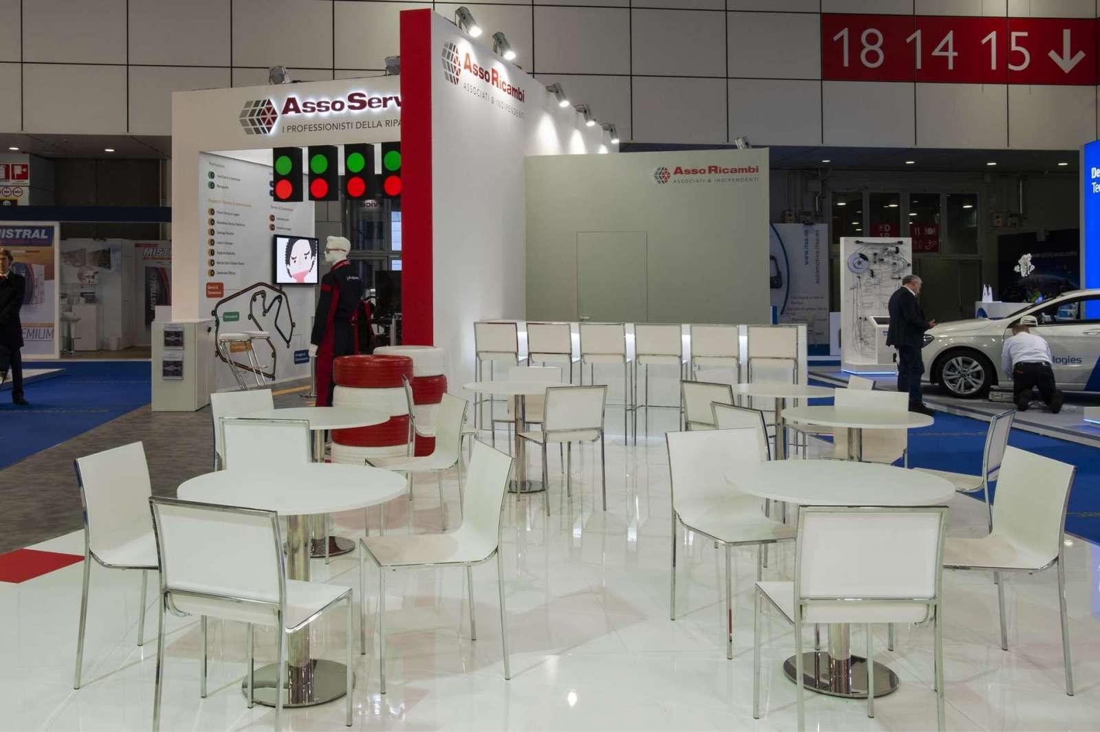 Interno stand personalizzato AssoRicambi - Foto 1