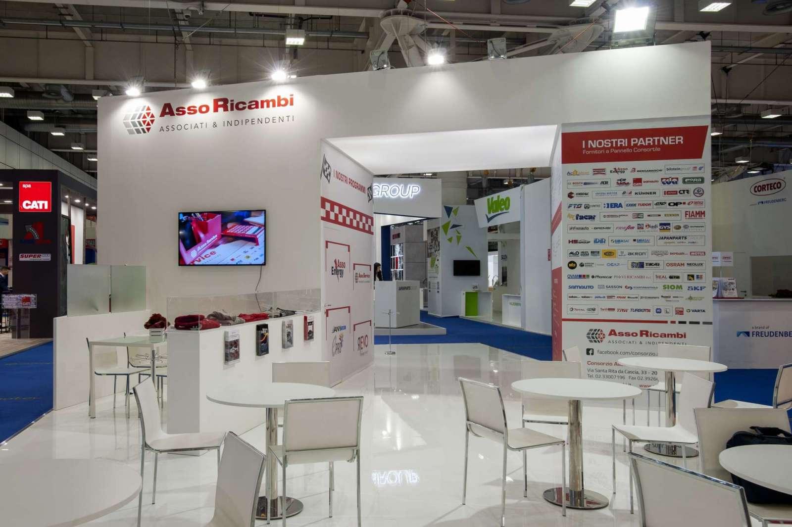 Interno stand personalizzato AssoRicambi - Foto 2
